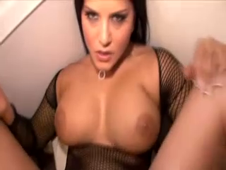 Amature Sunny Leone Sex In Toilet