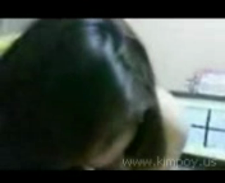 Download vidio bokep Sumirah nyepong kontol mp4 durasi 05:57 3gp gratis gak ribet