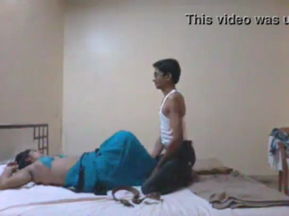 desi Desi office bhabhi fucked by Boss in Hotel