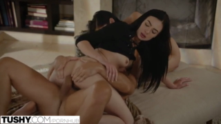 Ariana Marie and Marley Brinx are making love with one guy, in his living room