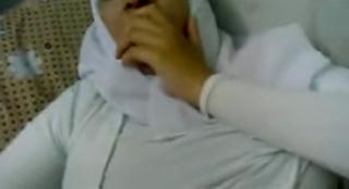Bokep arab tante hijab sange ngocok meki 3gp mp4