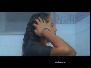 desi Teen actresses hot bath scene