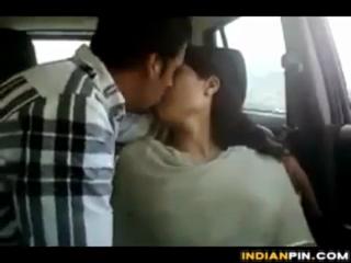desi Sulekha Delhi IT Girl satisfying boss in car