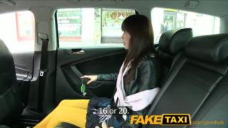 Bokep fake taxi ngentot sama gadis jepang