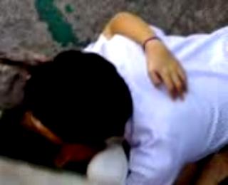 Kumpulan video bokep terbaru Udah nafsu anak smu ngentot di pinggir jembatan